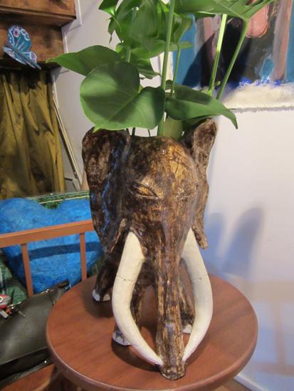 Eléphant feuillu sculptures
